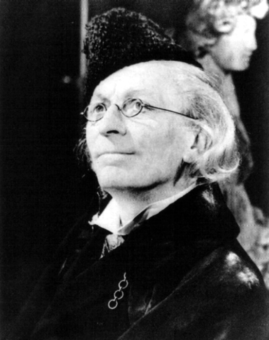 Hartnell An Unearthly Child with glasses